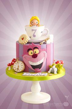 Alice in Wonderland Cake by Little Cherry