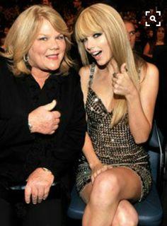 Andrea Swift & Taylor Swift