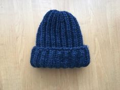 Black Chunky beanie Hand Knit Beanie Wool Beanie Arm   Etsy Thick Yarn, Arm Knitting, Black And Navy, Knit Beanie, Wool Yarn, Knitted Hats, Arms, Etsy, Color