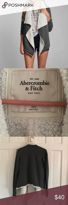 A&F sherpa cardigan •Super cozy A&F sherpa lined sweater. Gently used• Abercrombie & Fitch Sweaters Cardigans