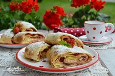 Gabriella kalandjai a konyhában :): Epres-túrós rétes Tacos, Mexican, Sweets, Cookies, Baking, Ethnic Recipes, Food, Crack Crackers, Gummi Candy