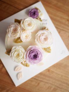 Done by me / BETTER CAKE  www.better-cakes.com  Inquiry : bettercakes@naver.com - 베러케이크 / Better Cake - Butter Cream Flower Cake & Class  Seoul, Korea based http://www.better-cakes.com Instagram : @better_cake_2015 Mail : bettercakes@naver.com Line : better_cake Facebook : Sumin Lee  #buttercream#cake#베이킹#baking#koreanfood#Bettercake#버터크림케익#flowercake#yummy#flowers#꽃#sweet#베러케이크#foodporn#birthday#수제케익#디저트#플라워케익클래스#dessert#버터크림플라워케이크#followme…