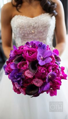 Magenta and purple wedding bouquet - Photography: Christian Oth Studio // Floral Design: Belle Fleur