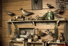 how to display antique duck decoy collection Duck Hunting Decor, Hunting Cabin, Duck Mount, Decoy Carving, Vintage Cabin, Vintage Nautical, Duck Decoys, Décor Boho, Displaying Collections