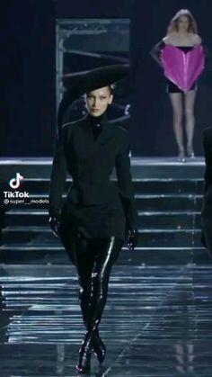 Couture Fashion, Runway Fashion, Fashion Models, Baddie Outfits Casual, Cute Casual Outfits, Bella Hadid Outfits, Modelos Fashion, Kylie Jenner Outfits, Korean Street Fashion