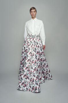 Emilia Wickstead Spring 2021 Ready-to-Wear Collection - Vogue Runway Fashion, Fashion News, Fashion Show, Fashion Trends, Women's Fashion, Vogue Paris, Backstage, Crepe Skirts, Emilia Wickstead