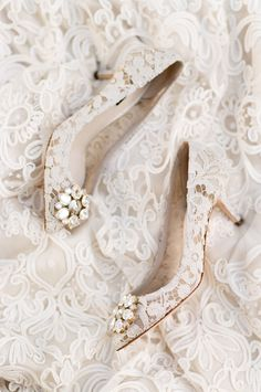 Splendidly elegant with a sparkling touch, these classic wedding shoes from Dolce & Gabbana are making us swoon! » Praise Wedding Community