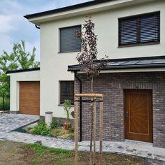Venkovní žaluzie podomítkové C80 - Břeclav Garage Doors, Outdoor Decor, Home Decor, Decoration Home, Room Decor, Home Interior Design, Carriage Doors, Home Decoration, Interior Design