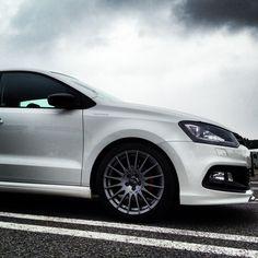 "Superturismo GT 17"" on VW Polo 6R #OZRACING #RACING #SUPERTURISMO #GT #RIM #WHEEL"