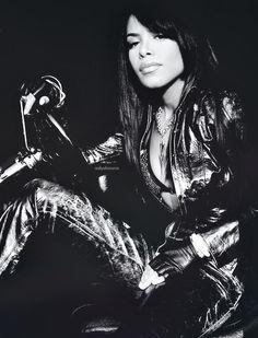"""Aaliyah: """"World music awards 2002"""".."""