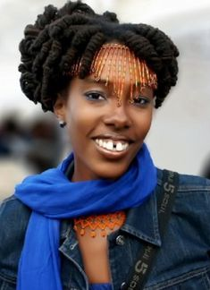 Short hairstyles for locs can be a choice for you to make your hair styled beautifully.