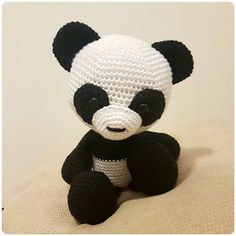 Amigurumi The Just Happy To Be Here Panda Free Pattern - Amigurumi Free Patterns and Amigurumi Tutorials Crochet Panda, Crochet Baby Toys, Crochet Teddy, Crochet Bear, Crochet Animals, Crochet Dolls, Free Crochet, Amigurumi Patterns, Amigurumi Doll