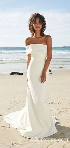 In general, the choice of beach wedding dresses is endless. Such a romantic type wedding is much deserving of a simple sexy wedding dress. Sexy Wedding Dresses, Elegant Wedding Dress, Perfect Wedding Dress, Sexy Dresses, Ivory Wedding, Modest Wedding, Wedding Bride, Relaxed Wedding Dress, Backless Wedding