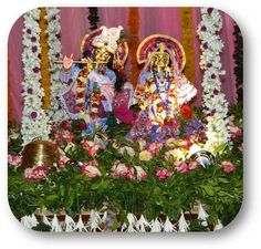 Jhulan Yatra Special (19th Aug, 2013) Sri Sri Radha Vrindavanchandraji at ISKCON NVCC, Pune