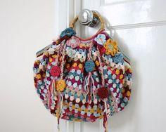 crochet granny stripe bag