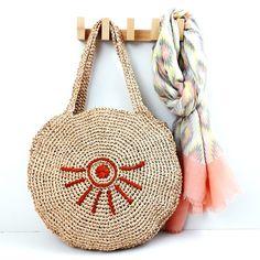 Ravelry: AZTEQUE (round basket) pattern by Anisbee Anisbee Crochet Poncho, Crochet Motif, Diy Crochet, Crochet Stitches, Crochet Patterns, Motifs Aztèques, Round Basket, Knitted Bags, Beautiful Crochet