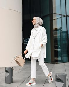 Ideas fashion hijab summer outfit ideas for 2019 13 Modern Hijab Fashion, Street Hijab Fashion, Hijab Fashion Inspiration, Muslim Fashion, Modest Fashion, Fashion Outfits, Casual Hijab Outfit, Hijab Chic, Hijab Dress