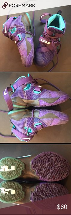 🏀 NIKE BASKETBALL SHOES Used gently in a 2-month Rex league.  In excellent condition.  Structure is intact. Nike Shoes Sneakers