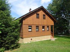 Chata Holany: ubytování Hostíkovice na Kokořínsku. Chata k pronájmu: kapacita 10 osob - 3 ložnice. Provoz: léto, zima, víkendové pobyty, Vánoce, Silvestr.