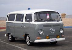 clean 70's bus Volkswagen Bus Interior, Vw T2 Camper, Vw Bus T2, Vw T1, Combi Vw T2, Kombi Clipper, Kombi Hippie, Vw Camping, Vw Vanagon