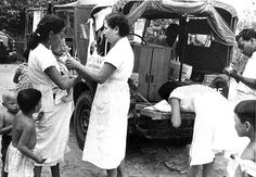 Mobile immunisation team carrying out work at a kampong. Singapore Photos, The Old Days, Old Things, Chinese, Events, Island, Couple Photos, Places, Couple Shots