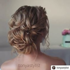 Prom is your night to slay, but there's a chance you're still seriously debating about what to do with your luscious locks. updo locks Stunning Prom Hairstyle Ideas in 2019 Up Hairstyles, Pretty Hairstyles, Wedding Hairstyles, Hairstyle Ideas, Wedding Hair And Makeup, Bridal Hair, Medium Hair Styles, Curly Hair Styles, Updo Styles