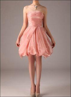 Pretty in Pink! Ballonkleid für den Abschlussball.
