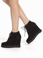 Nly Shoes - Stylish & Trendy Shoes Online