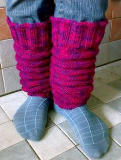 Ulla 03/08 - Ohjeet - Makkaralla Knitting Patterns, Knitting Ideas, Lana, Slippers, Handicraft Ideas, Fashion, Zapatos, Moda, Knit Patterns