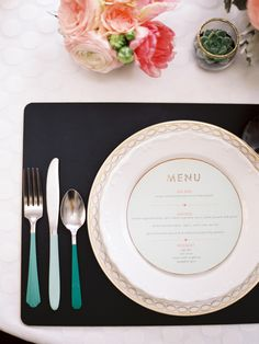 A simple but wonderful way to display your menu, using the space on your plates #WedgwoodWeddings