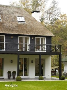 Stijlvol Wonen: het magazine voor warm-hedendaags wonen - #blackwhite #architectuur #