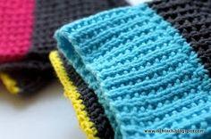 De sidste strikkede karklude på stammen:                       Opskrift i bomuldsgarn         Slå 57 masker op på pind 3        Pind 1: Al...