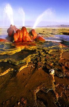 ✮ Fly Geyser - Black Rock Desert, near #LasVegas, Nevada http://www.travelmagma.com/usa/things-to-do-in-las-vegas/