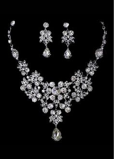 In Stock Beautiful Necklace Set In Czech Stone Alloy and Rhinestone For Fabulous Wedding Dress