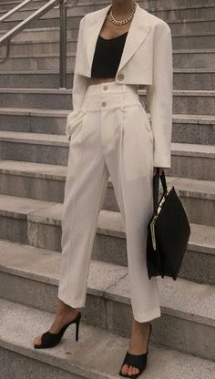 business attire tips Suit Fashion, Look Fashion, Korean Fashion, Fashion Outfits, Womens Fashion, Petite Fashion, Cute Casual Outfits, Stylish Outfits, Work Outfits