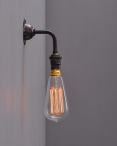 Orcop Industrial style wall light | Fritz Fryer