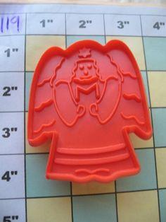 $1.00 starting bid - Hutzler Angel w Book Cookie Cutter Collectable Vintage | eBay (Item #119)