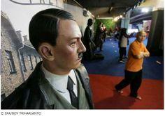 Uma 'selfie' com Hitler? Museu tira estátua depois de críticas