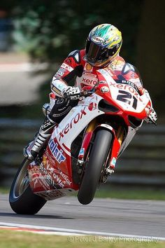 The king of ducati is the only Troy Bayliss #21❤️