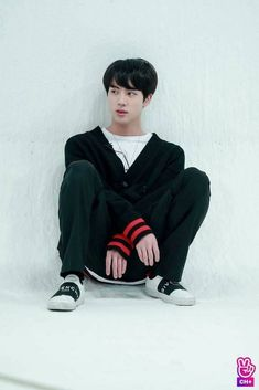 Uploaded by Find images and videos about kpop, bts and jin on We Heart It - the app to get lost in what you love. Seokjin, Kim Namjoon, Hoseok, Bts Jin, Bts Jungkook, Taehyung, K Pop, Frases Bts, Worldwide Handsome