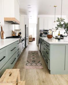kitchen remodel before and after & kitchen remodel . kitchen remodel on a budget . kitchen remodel before and after . kitchen remodel with island . Kitchen Decor, Kitchen Inspirations, Home Decor Kitchen, Spacious Kitchens, Home Remodeling, Kitchen Remodel Small, Kitchen Design, Kitchen Remodel, Kitchen Remodel Before And After