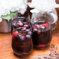 Skip the Uber and sip at home! Host your own happy hour with these breezy, boozy drinks! Cocktail recipes included!   The Party Goddess! #recipes #cocktails #eventplanner #partyplanning Fruity Drinks, Alcoholic Drinks, Beverages, Easy Summer Cocktails, Party Food And Drinks, Cocktail Making, Host A Party, Party Photos, Cocktail Recipes
