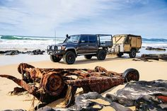 Toyota Land Cruiser 70 series with Aussie off-road trailer. Toyota Lc, Toyota Hilux, Camping Set Up, Truck Camping, Land Cruiser 70 Series, Off Road Adventure, California Camping, Expedition Vehicle, Japanese Cars