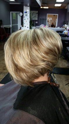Heavy highlights, asymmetrical undercut Heavy Highlights, Asymmetrical Hairstyles, Black Girls Hairstyles, Undercut, Ambition, Medium Hair Styles, Bobs, Hair Ideas, Hair Makeup
