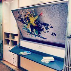Litera doble abatible personalizada con imagen y escritorio incorporado. #Barcelona #muebles #decoración