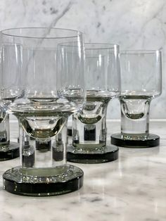 Superb set of Mid Cent French crystal wine glasses - Decorative Collective Antiques Online, Selling Antiques, One Hyde Park, Luxury Brand Names, Candy Brands, Crystal Wine Glasses, Large Crystals, Fine Dining