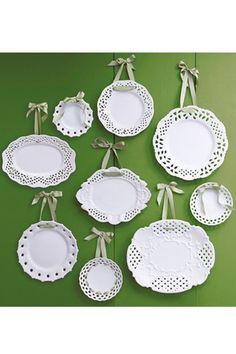 Pretty Plate Seating Chart. I love this idea: use a china graph pencil to write on the names of your guests. Use one plate per table.