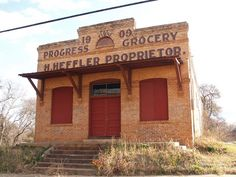 Tyler Texas Old Historic Small Town in 2011 Roads Building Signs Architecture by mrchriscornwell, via Flickr