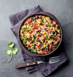 A quick and easy meal, filled with zest and health: Mexican Quinoa! Your family's hungry; it's time for dinner! Best Quinoa Recipes, Healthy Recipes, Carrot Recipes, Lentil Recipes, Potato Recipes, Broccoli Recipes, Cauliflower Recipes, Easy Recipes, Chicken Recipes