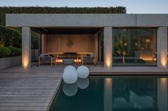 Suzanne Turley Landscapes - Pool Pavilion (credits: Architectural concept design / Ermanno Cattaneo, Suzanne Turley Landscapes; Developed, detailed design and documentation / Tony Irving, Pure Architecture; Photography / Mark Scowen, Mark Scowen Photography.